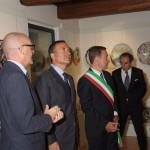 giorgio moretti con franco frattini inaugurazione fondazione ceramica contemporanea d'autore deruta